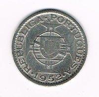 //  ANGOLA  10 ESCUDOS  1952  ZILVER - Angola