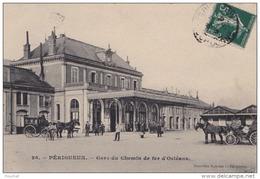 24) PERIGUEUX - GARE DU CHEMIN DE FER D ' ORLEANS - (ANIMEE - ATTELAGES) - Périgueux