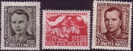 1953 Poland, Mi 818 - 820, WW II, Soldier, Military Flag, Battle Of Lenino, 10 Years Of The Polish Army. Pazinski MNH** - 1944-.... République