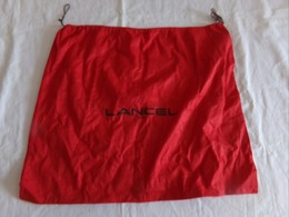 SAC ROUGE LANCEL 59 X 49 CM 110 GR - Vintage Clothes & Linen