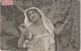 Femme En Déshabillé En 1905 - Women