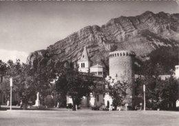 Carte 1950 SISTERON / L'EGLISE NOTRE DAME ET PLACE DE LA LIBERATION - Sisteron