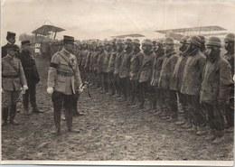 PHOTO ORIGINALE 1914-1918 - Inspection Dans Un Camp D'aviation - Guerre, Militaire