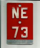 Plaque Vélomoteur Suisse Neuchatel 1973 - Plaques D'immatriculation