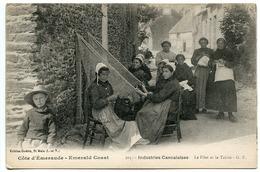 CPA * CANCALE  Industries Cancalaises Le Filet Et Le Tricot ( Très Animée Femmes Costumes Coiffes ) - Cancale