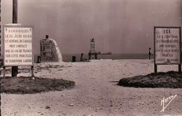 CPA 14 COURSEULLES SUR MER Panneaux Commémoratifs Du Débarquement - Courseulles-sur-Mer
