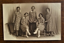 Oude Foto-kaart 5dames Met HETZELFDE Stofje Van KLeed Door Fotograaf MEURIS   Lange Zoutstr.  AALST - Personas Identificadas