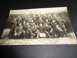 Militair ( 17 )  Militairen  Soldaten  Soldaat  Soldats  Soldat  Armée  Leger - Carte Photo  Fotokaart - Personnages