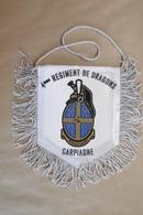 Fanion Tissu Militaire 4° Régiment De DRAGONS à CARPIAGNE - Flags