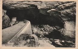 Carte Postale Des Années 40-50 De L'Ariège - Mas D'Azil - Sortie De La Grotte, Côté Du Village - Andere Gemeenten
