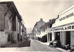 65 - BAREGES : Le CAFE Du FUNICULAIRE Rue Ramaond - CPSM Dentelée Noir Blanc Grand Format 1962 - Hautes Pyrenées - Andere Gemeenten