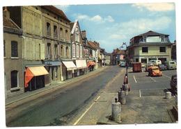 CPSM   45    COURTENAY    1972   PLACE ARMAND CHESNEAU ET RUE DE VILLENEUVE - Courtenay