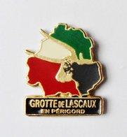 Pin's Grottes De Lascaux En Périgord  - DDPPM - Villes