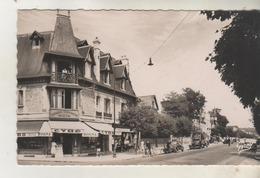 DEAUVILLE - La Plage Fleurie - Avenue De La République - Droguerie Moderne - CPSM - Deauville