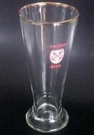 """VINTAGE !  Singapore Anchor Beer Gold Rimmed Red Letters Pilsner Glass 7.5"""" - Gläser"""