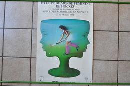 VIEILLE AFFICHE POSTER - HOCKEY SUR GAZON COUPE MONDE FEMMES 06210 MANDELIEU LA NAPOULE - Afiches