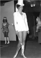 PIN UP MAJORETTES A FORBACH EN 1975 - Pin-up