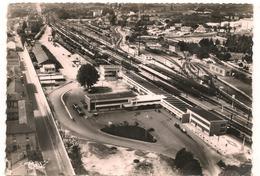 Macon - Gares SNCF Et Gare Routiere  -  CPSM° - Macon