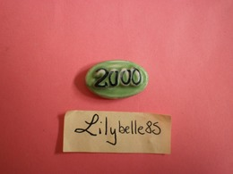 Feve PERSO En Porcelaine - VERT / OVALE - Serie LIDL AN 2000 ( Feves ) - Zonder Classificatie