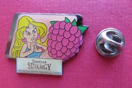 Pin's,Asterix&Obelix,SINGERGY,sucre De Raisin,framboise,femme - BD