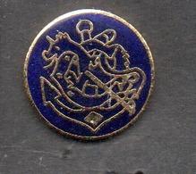 PIN'S Marine Nationale FREGATE COURBET - Bateaux