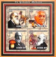 [37349]SUP//**/Mnh-Mozambique 2002 - La Grande Médecine, Charles Darwin, Alexander Fleming - Mozambique