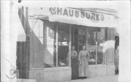 Carte-photo D'ORNANS (Doubs) - Chaussures Henri YUNG, 7 Rue Cusenier. Non Circulée. Bon état. - Autres Communes