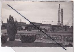 Saint Quentin (02) Le Pont Supérieur Et Place Du Monument Aux Morts - Saint Quentin