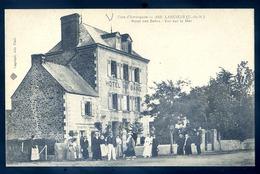 Cpa Du 22   Lancieux  Hôtel Des Bains  - Vue Sur La Mer  LZ34 - Lancieux