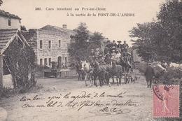 Cars Montant Au Puy De Dome A La Sortie De La Font-de-l'arbre - France