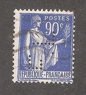 Perforé/perfin/lochung France No 368 F.L Sté Des Paraffines Parlax F. Latour - Perforés