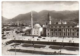 ALBANIE/ALBANIA - TIRANA/TIRANE PANORAMA / PIAZZA SCANDERBEG / MOSQUE - Albanië
