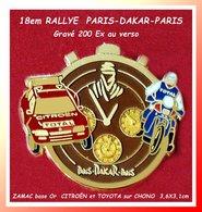 SUPER PIN'S RALLYE PARIS-DAKAR-PARIS: 18em Edition Tirage 200 EXEMPLAIRES, CITROËN Et TOYOTA Sur CHONO Au Logo 3,6X3,1cm - Rally