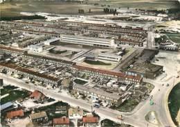 """CPSM FRANCE 62 """"Arras, L'école Molière, Le Centre Commercial"""". - Arras"""