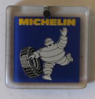 Porte Clés Pneus Michelin Bibendum - Voitures
