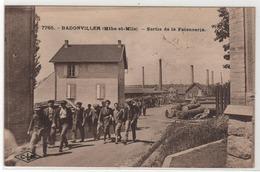 CPA 54 : 7765 - BADONVILLER - Sortie De La Faïencerie - Ed. Lardier à Besançon - 1927 - Usines - Autres Communes