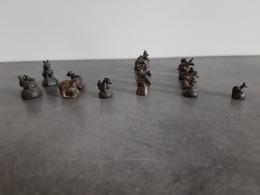 Lot De 18 Poids à Opium De Myanmar (ex-Birmanie)  En Bronzes Du XIXe Siècle - - Asiatische Kunst