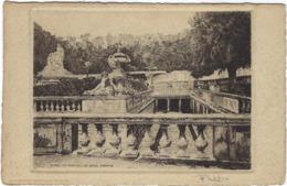 30 Nimes La Fontaine Les Bains Romains - Nîmes