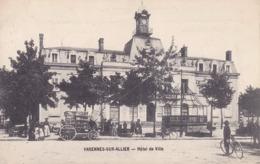 CPA - 03 - VARENNES SUR ALLIER - Hôtel De Ville - Francia