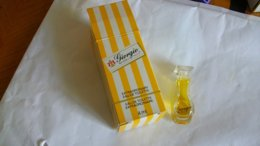 Miniature De Parfum Giorgio Beverly Hills    Eau De Toilette Extraordinary - Miniaturen Flesjes Dame (met Doos)
