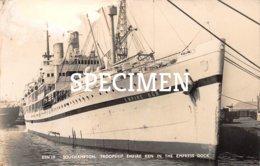 Southhampton Troopship Empire Ken In The Empress Dock - Guerre
