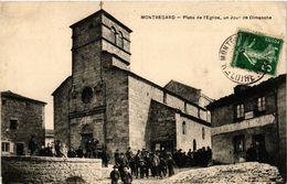 CPA MONTREGARD - Place De L'Église Un Jour De Dimanche (517467) - Altri Comuni