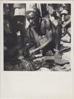 28733g CONGO BELGE - KIVU - MONTAGNAR MUNYABONGO - MARCHE LOCAL - Photo De Presse - Ethnographique - E. Lebied - 24x18c - Afrika