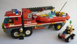 FIGURINE CAMION DE POMPIER Tout-terrain Et Le Bateau Des Pompiers Avec Quad - LEGO 7213 (2) - Figurines