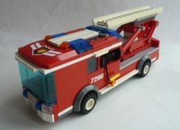FIGURINE LEGO CITY 7208 CAMION POMPIER GRANDE ECHELLE Avec Notice - Poppetjes