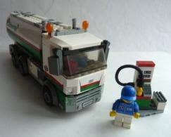 FIGURINE LEGO CITY 3180 CAMION CITERNE - Figurines