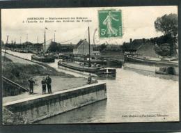 CPA - ISBERGUES - Stationnement Des Bateaux à L'entrée Du Bassin Des Aciéries De France, Animé - Péniches - Isbergues