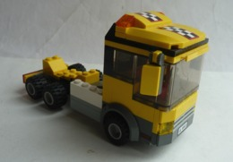 FIGURINE LEGO CITY 4643 CAMION REMORQUE Manque La Remorque - Poppetjes