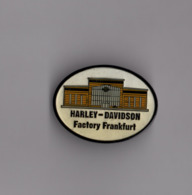 Pin's Harley Davidson / Factory Frankfurt (époxy Double Attache) - Motos