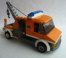 FIGURINE LEGO CITY 7638 CAMION DEPANEUSE - Figurines